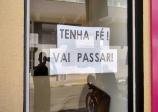 COMERCIANTES DE CAPÃO BONITO COLOCAM FRASES DE ESPERANÇA EM SUAS LOJAS